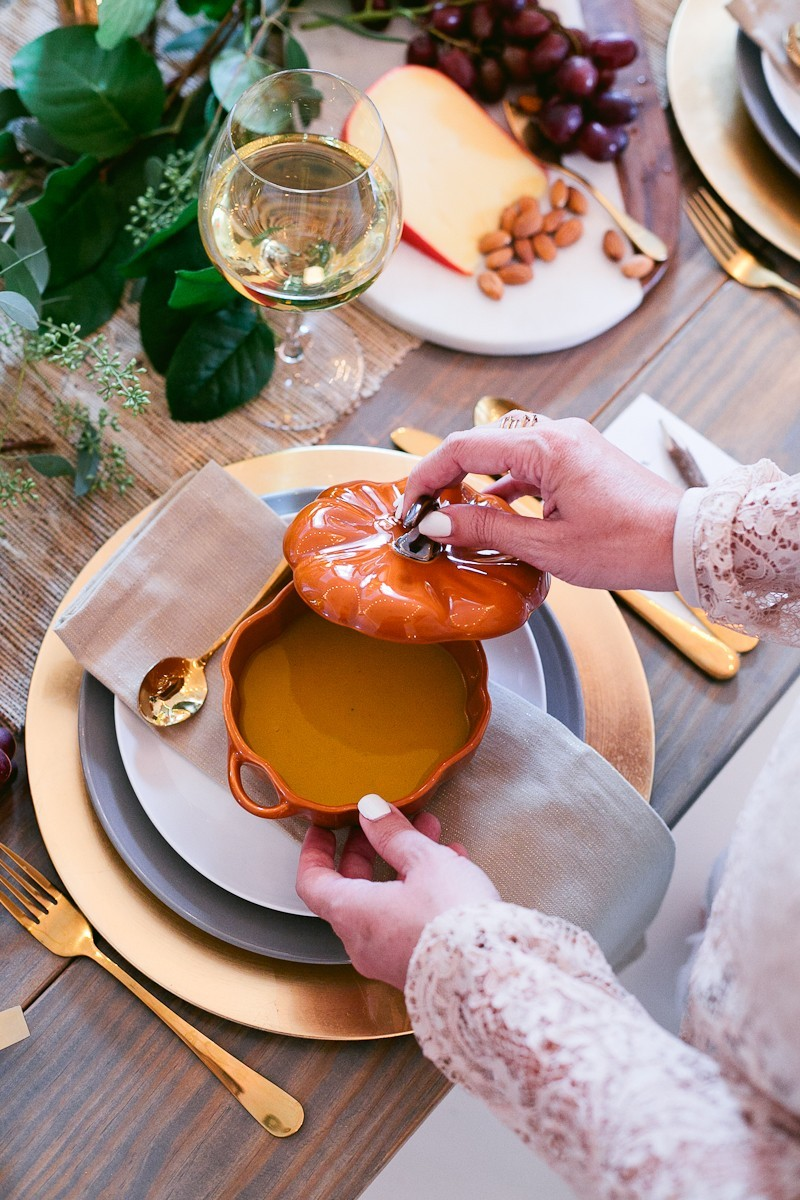 A deliciously creamy pumpkin soup recipe. The best pumpkin soup! And it's easy to make too.