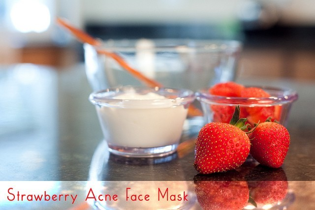 KitchenWise:: Strawberry Face Mask (for Acne)