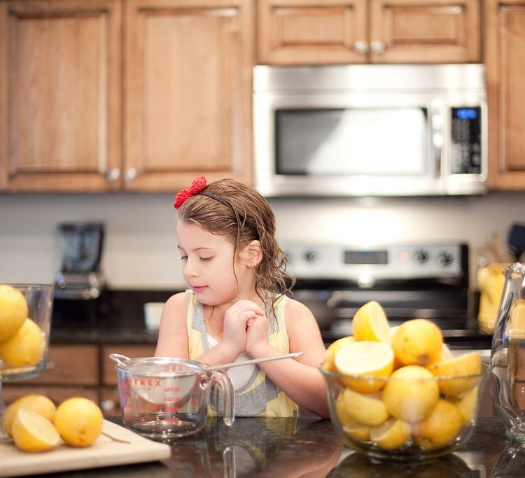 KitchenWise:: The Perfect Lemonade, with guest Aliyah Blue