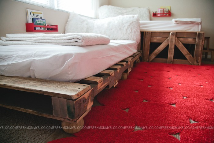 DIY Pallet Beds for shared kids room