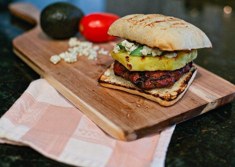 Eats // Caribbean Bleu Burger