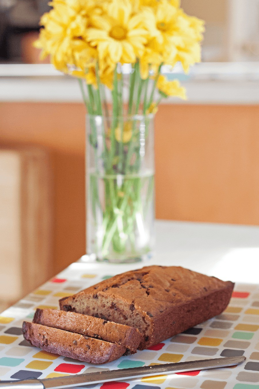 Eats // Easy and Delicious Banana Bread by Fresh Mommy Blog