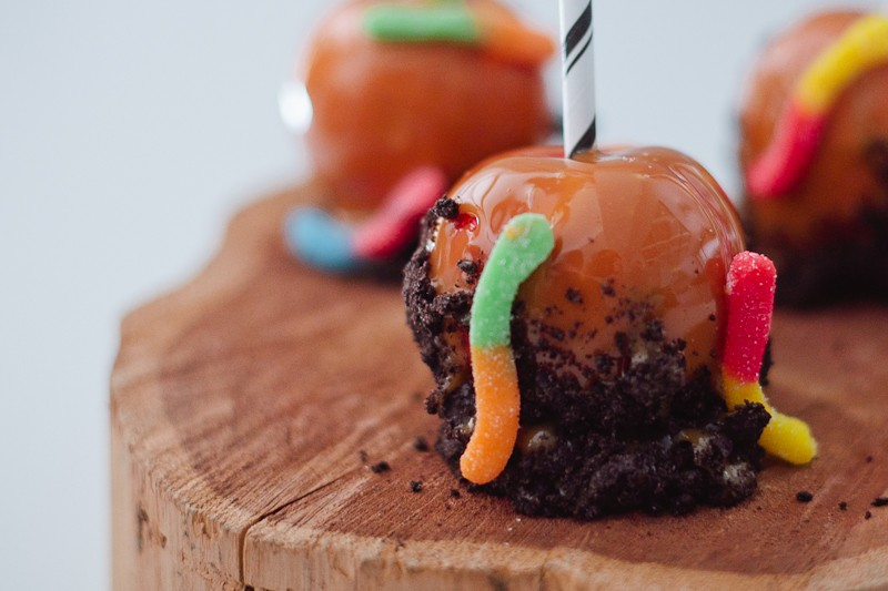 Dirty Caramel Apples | Fresh Mommy Blog-8