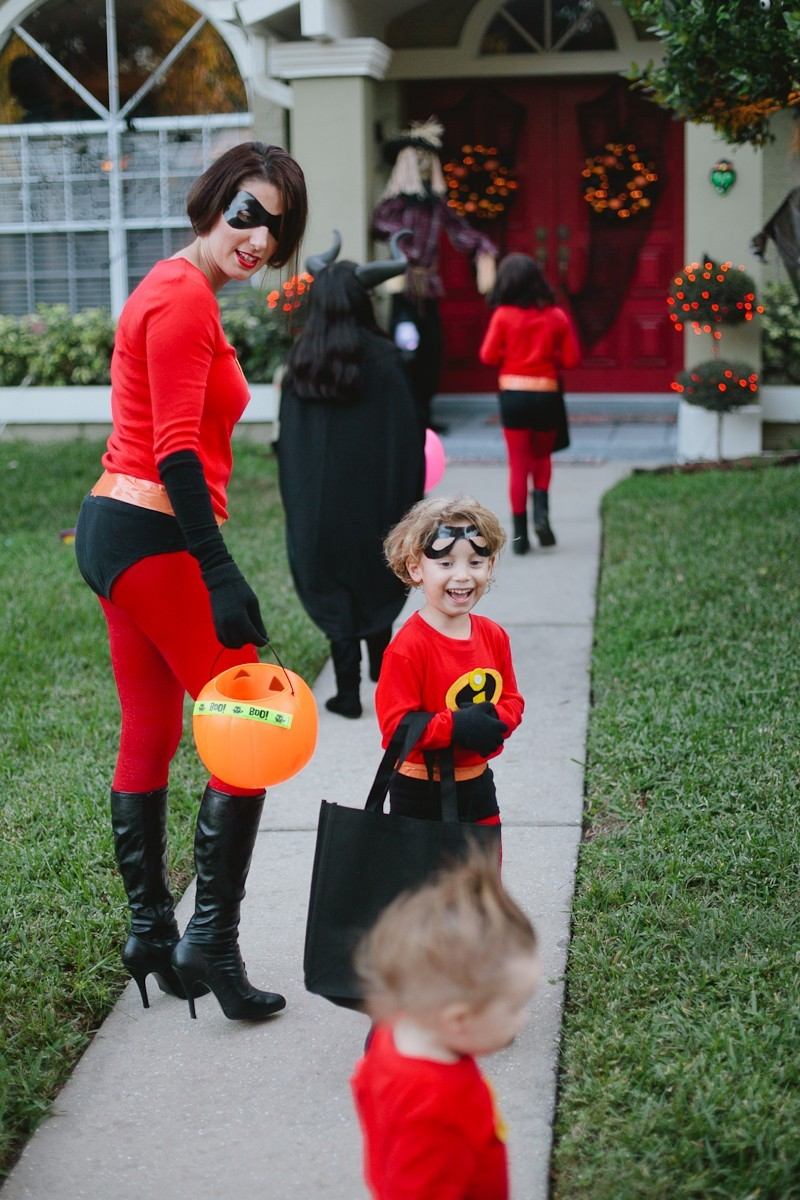 DIY Incredibles Costume | Fresh Mommy Blog-22 - Easy DIY Incredibles Family Costume by popular Florida lifestyle blogger Fresh Mommy Blog
