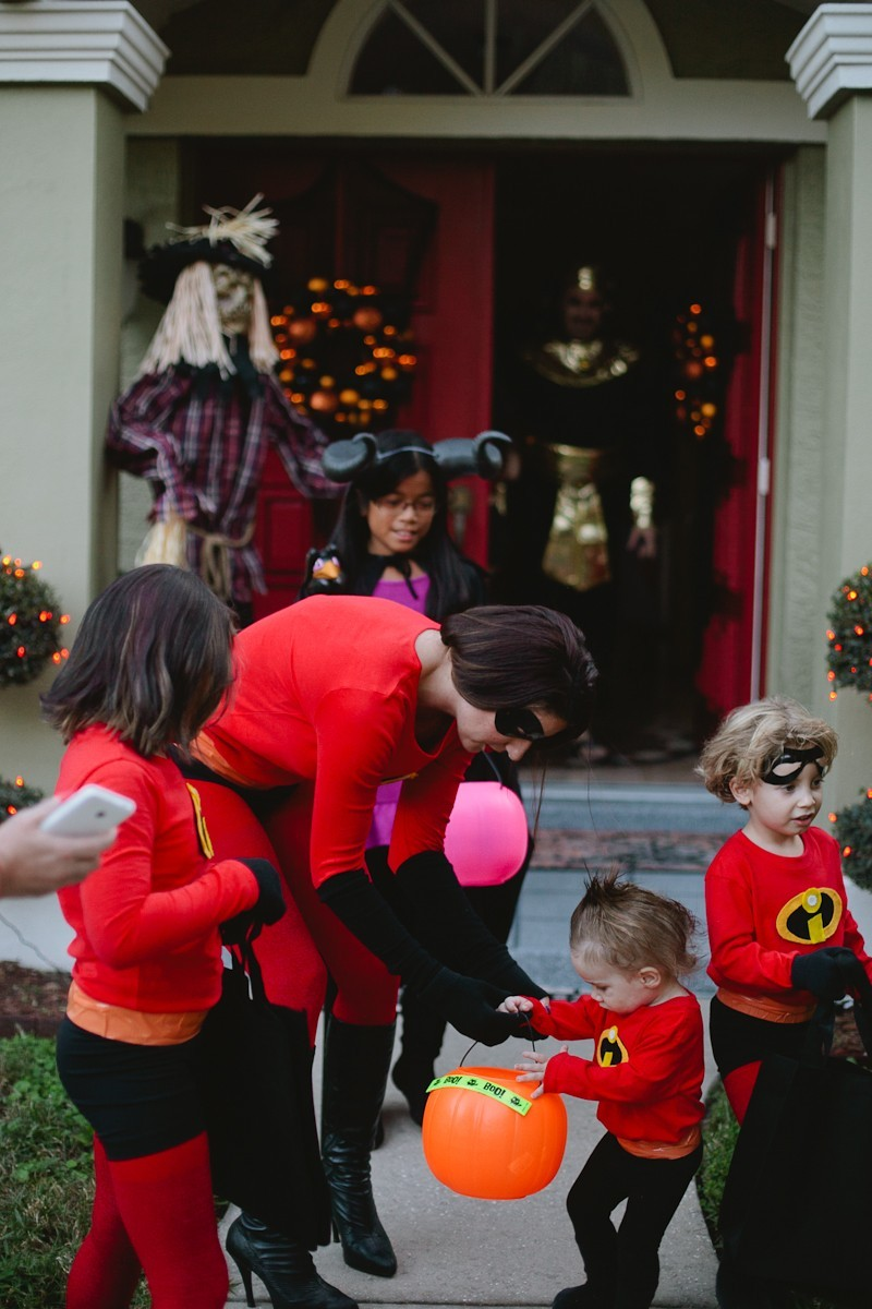 DIY Incredibles Costume | Fresh Mommy Blog-23 - Easy DIY Incredibles Family Costume by popular Florida lifestyle blogger Fresh Mommy Blog
