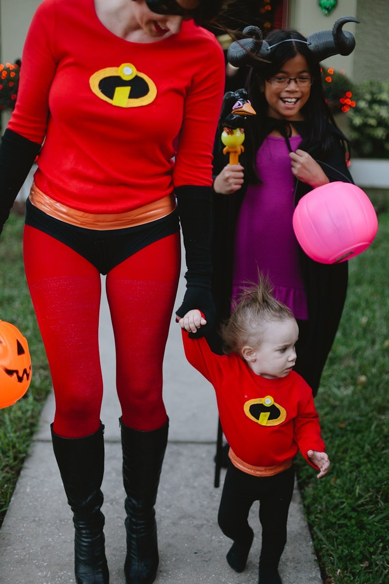 ... DIY Incredibles Costume | Fresh Mommy Blog-24 - Easy DIY Incredibles Family Costume by  sc 1 st  Fresh Mommy Blog & Easy Incredibles Family Costume | Life | Fresh Mommy Blog