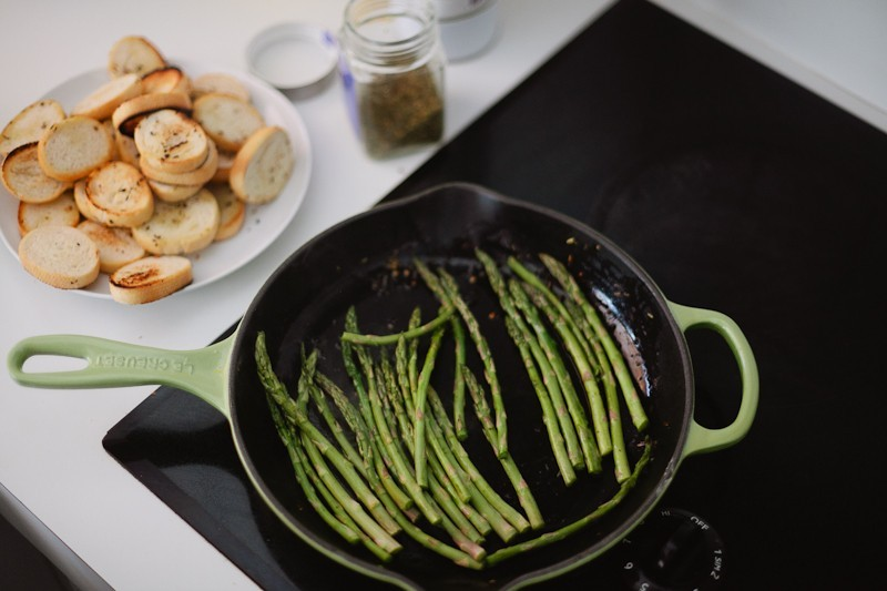 Grilled Asparagus with Proscuitto and Egg-4