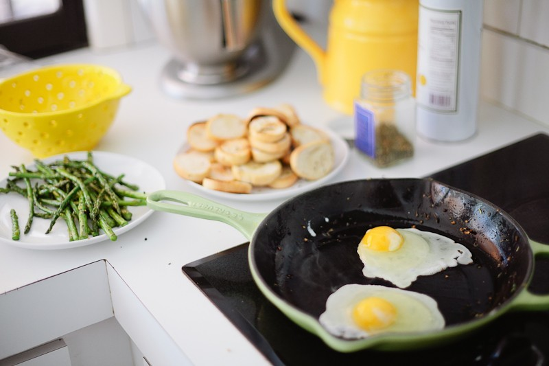 Grilled Asparagus with Proscuitto and Egg-6
