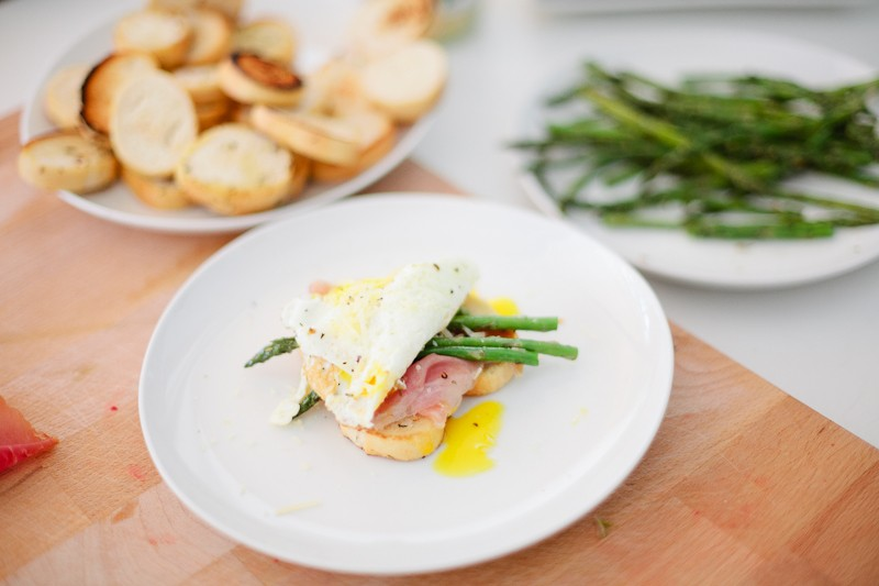 Grilled Asparagus with Proscuitto and Egg-8