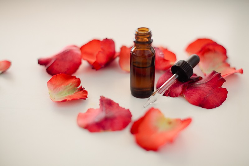 essential oils for romance and love by popular Florida lifestyle blogger Fresh Mommy Blog