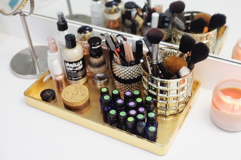 http://freshmommyblog.com/wp-content/uploads/2015/03/Spring-Cleaning-and-Organize-Your-Vanity-Tips-from-Fresh-Mommy-Blog-4.jpg