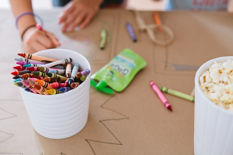 A Ridiculously Easy Kids Table to Entertain Them by popular lifestyle blogger Fresh Mommy Blog