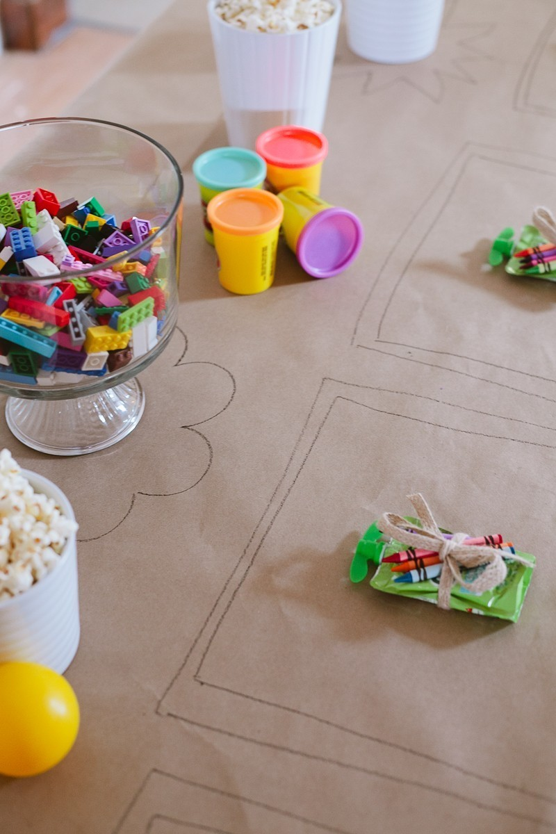 Tips for a Ridiculously Easy Table to Keep Kids Entertained for any Party - A Ridiculously Easy Kids Table to Entertain Them by popular lifestyle blogger Fresh Mommy Blog