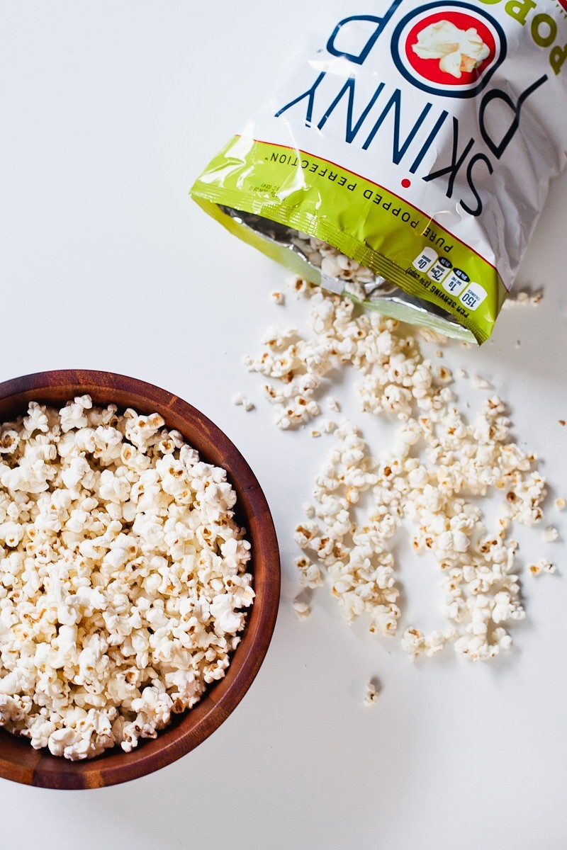 Cinnamon Brown Sugar Popcorn, the perfect low calorie recipe for National Popcorn Day-1