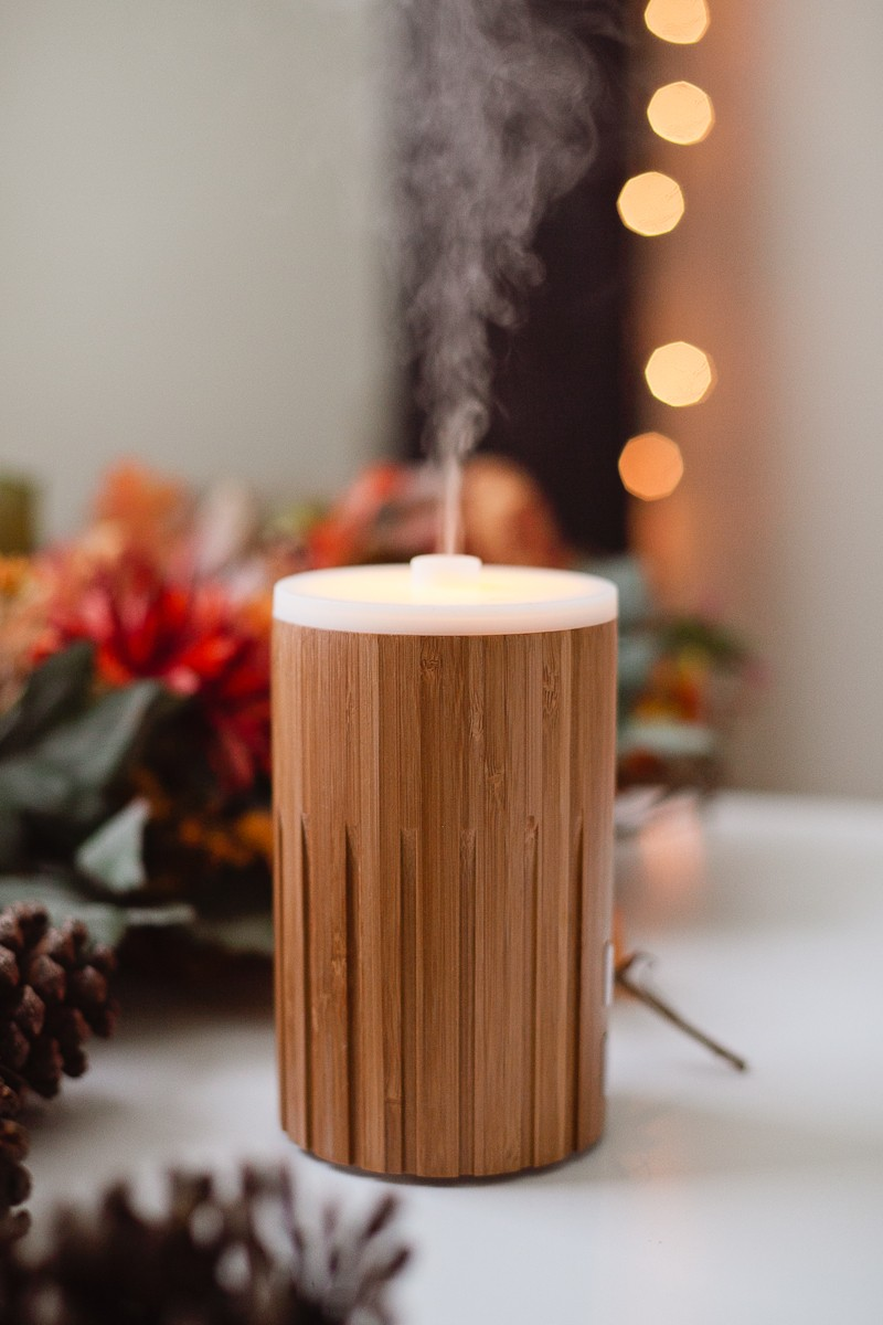 10 Amazing Fall Essential Oil Recipes for your Diffuser - Top 10 Fall Essential Oils Blends for Your Diffuser by popular Florida lifestyle blogger Fresh Mommy Blog