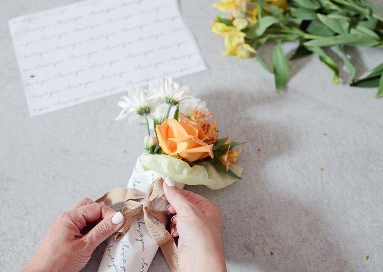 DIY Mini Floral Bouquet