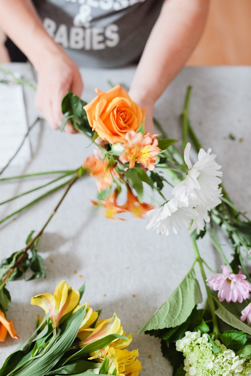 Mini Flower Arrangements - Easy DIY Bundles from Grocery Store Florals and a FREE printable