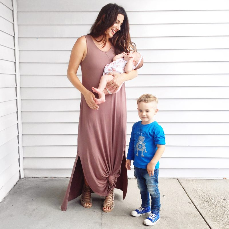 Mom fashion while breastfeeding... finding the right items to stay fashionable and in style isn't always easy, but it can be done!