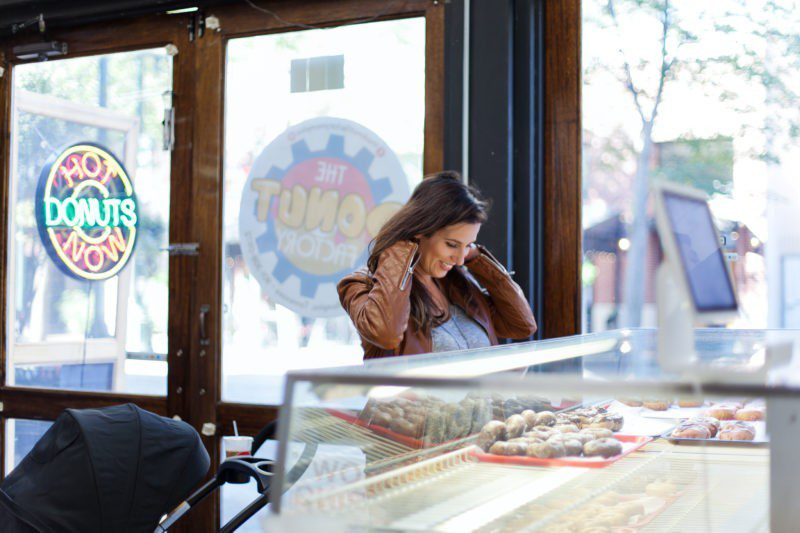 Family Friendly Memphis City Guide from Tabitha Blue of Fresh Mommy Blog with a delicious stop for fresh donuts at The Donut Factory! Tennessee travel.