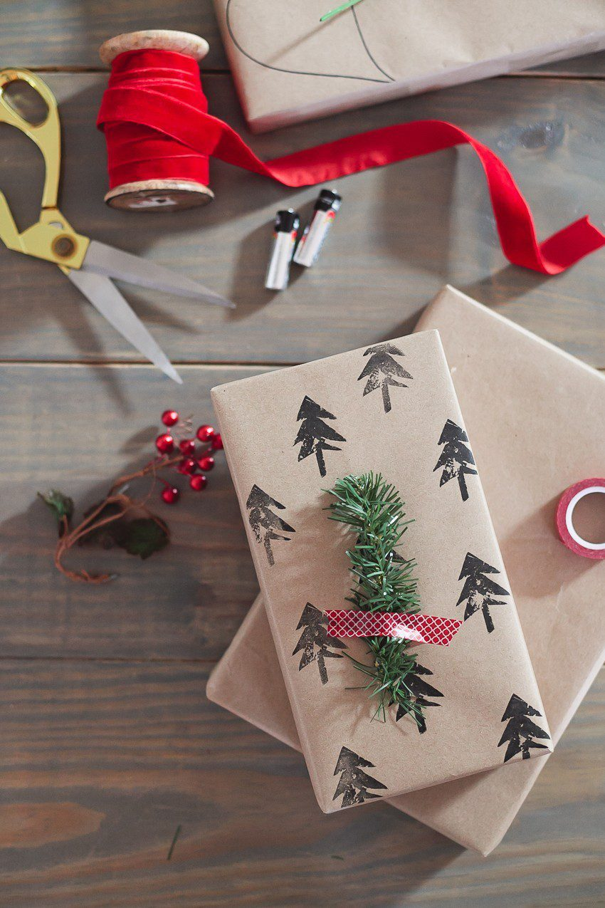 Christmas Gift Wrapping Ideas | Tutorial | Fresh Mommy Blog