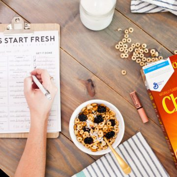 """The """"Let's Start Fresh"""" morning meal planning download is the secret sauce to keep mornings running smoothly, especially for any busy family! Download and print and use to keep mornings on track! Help whether kids run out to school or homeschool help. Homeschool ideas from top Florida lifestyle blogger Tabitha Blue of Fresh Mommy Blog."""