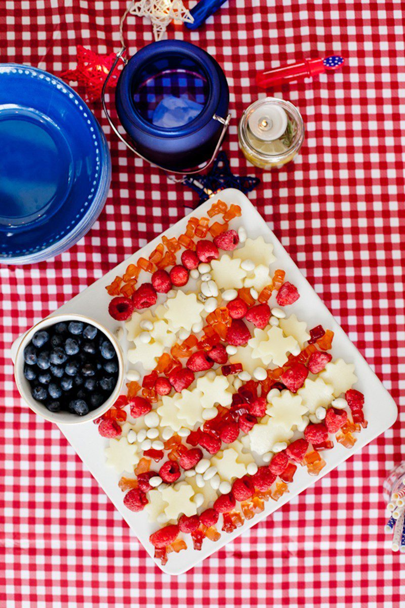 A patriotic flag snack tray that will impress your guests and get you in an Americana mood while you feel good about what you're serving with these healthier options! Perfect for July 4th gatherings, Independence Day parties, BBQs and more!