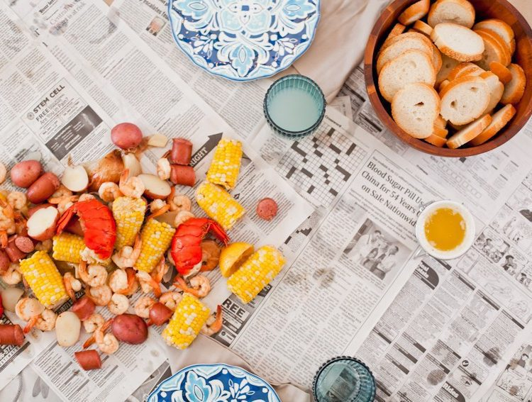 Easy Summer Entertaining with a Seafood Boil