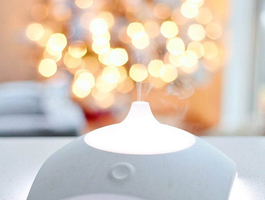 Ten Must-Try Essential Oil Diffuser Recipes for the Holidays