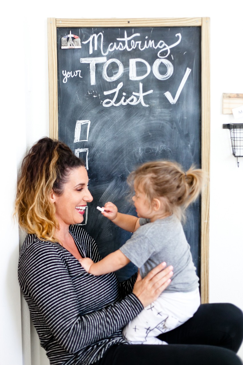 5 Ways to Master an Effective To Do List: And Why Most People Don't. Let's talk about why, the actual reasons, that the things you've had on your list might not be getting done and how to change that. To do list tips, schedule strategies and motivation from popular Florida mommy and lifestyle blogger, Tabitha Blue, Fresh Mommy Blog