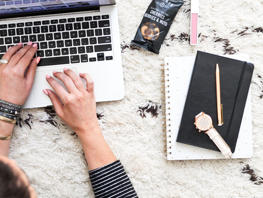 Let's talk about why, the actual reasons, that the things you've had on your list might not be getting done and how to change that. 5 Ways to Master an Effective To Do List: And Why Most People Don't featured by popular Florida lifestyle blogger, Fresh Mommy Blog