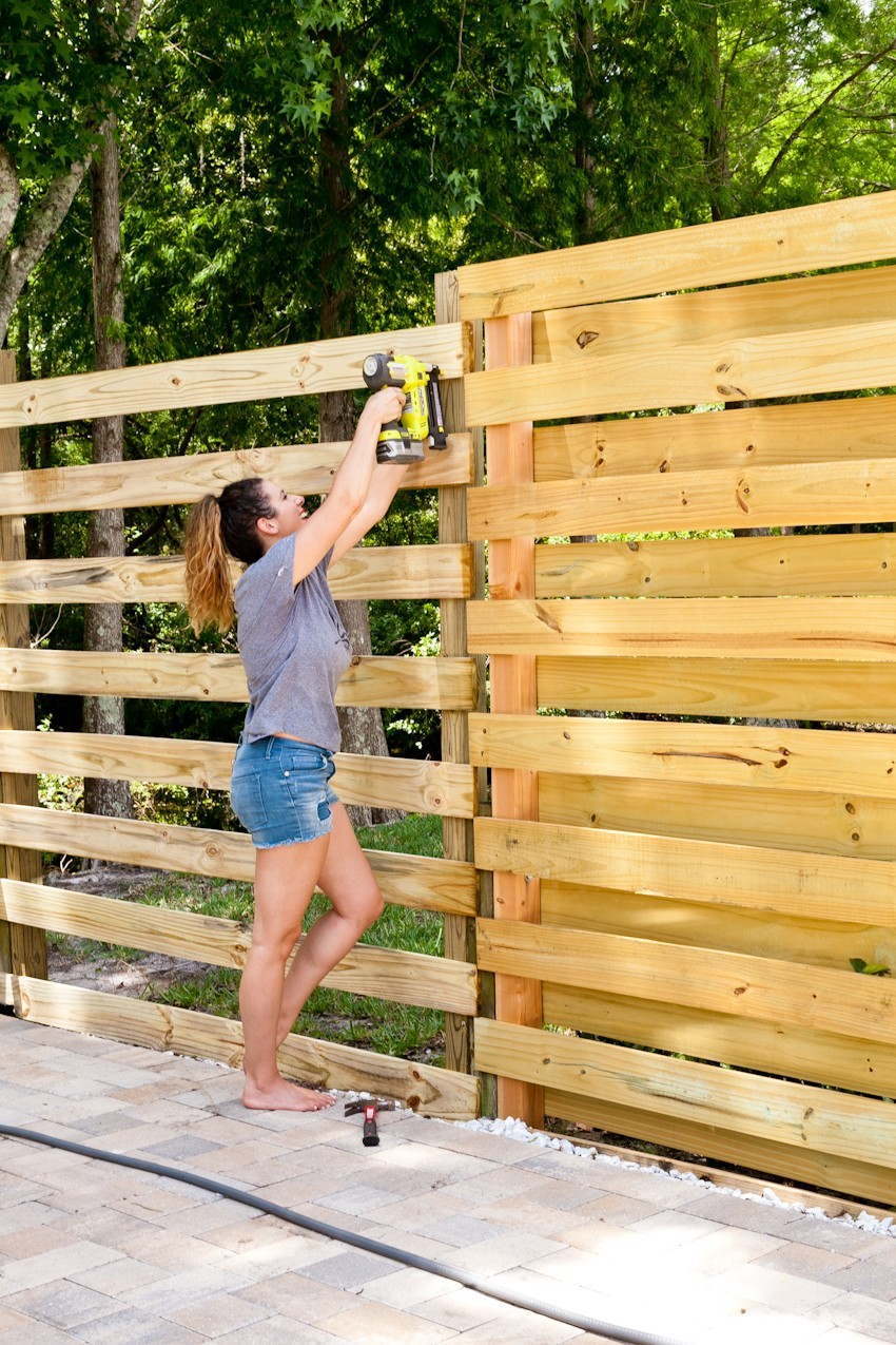Stunning DIY Horizontal Slat Fence | Lifestyle | Fresh Mommy Blog
