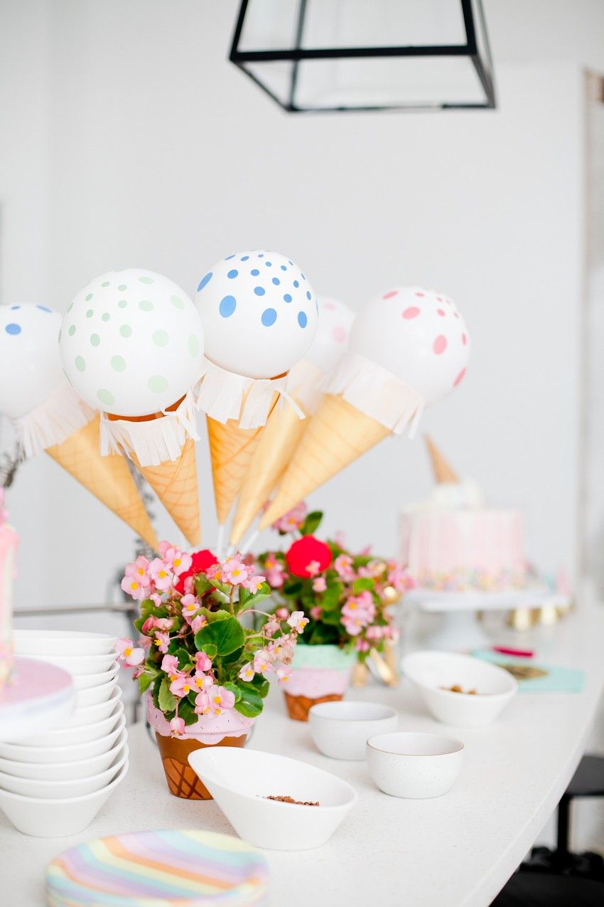 Super Easy Ice Cream Balloons!