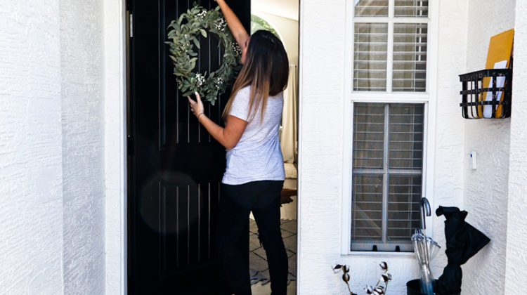 Popular Front Door Color Choices and What They Say About You