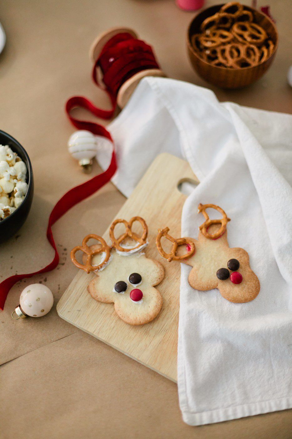 5 Tips to Host your Very Own Cookie Decorating Party