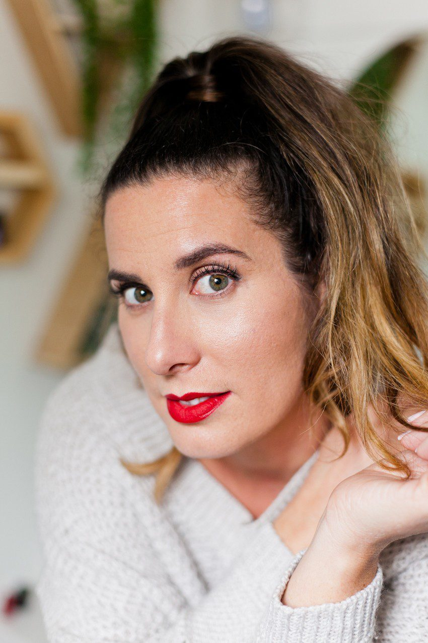 How to Master a Bold Lip in 5 Easy Steps!! Featured by top US beauty blog Fresh Mommy Blog