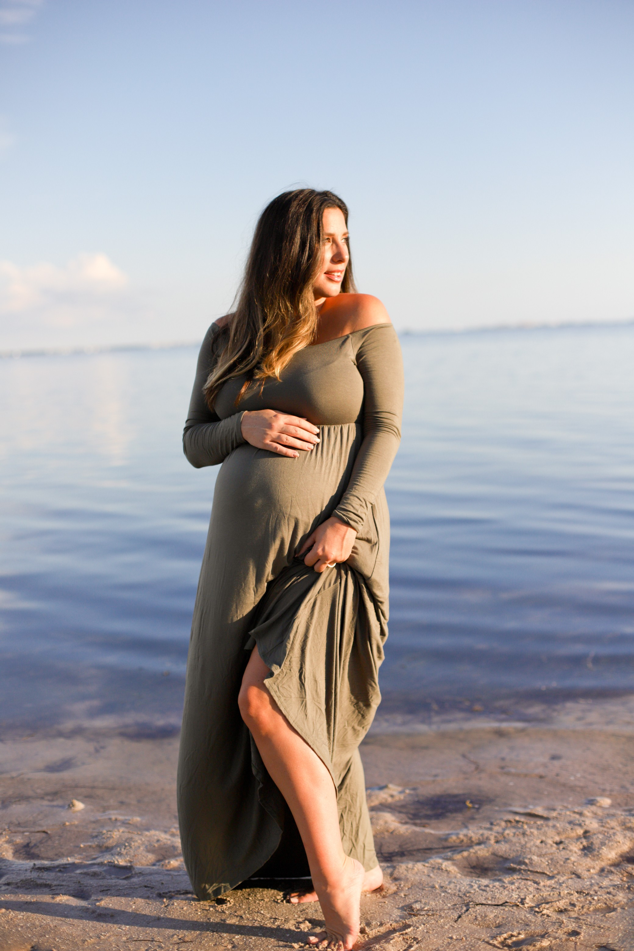 Beach Maternity Photoshoot Life And Style Fresh Mommy