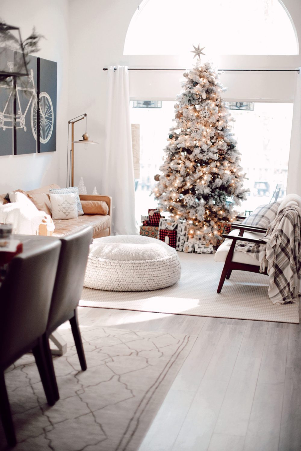 7 Geniously Efficient Mom Hacks for Home Design | 7 Genius Efficient Home Design Hacks for Moms by popular Florida life and style blog, Fresh Mommy Blog: image of a living room decorated with rugs and furniture from CORT Furniture Outlet.