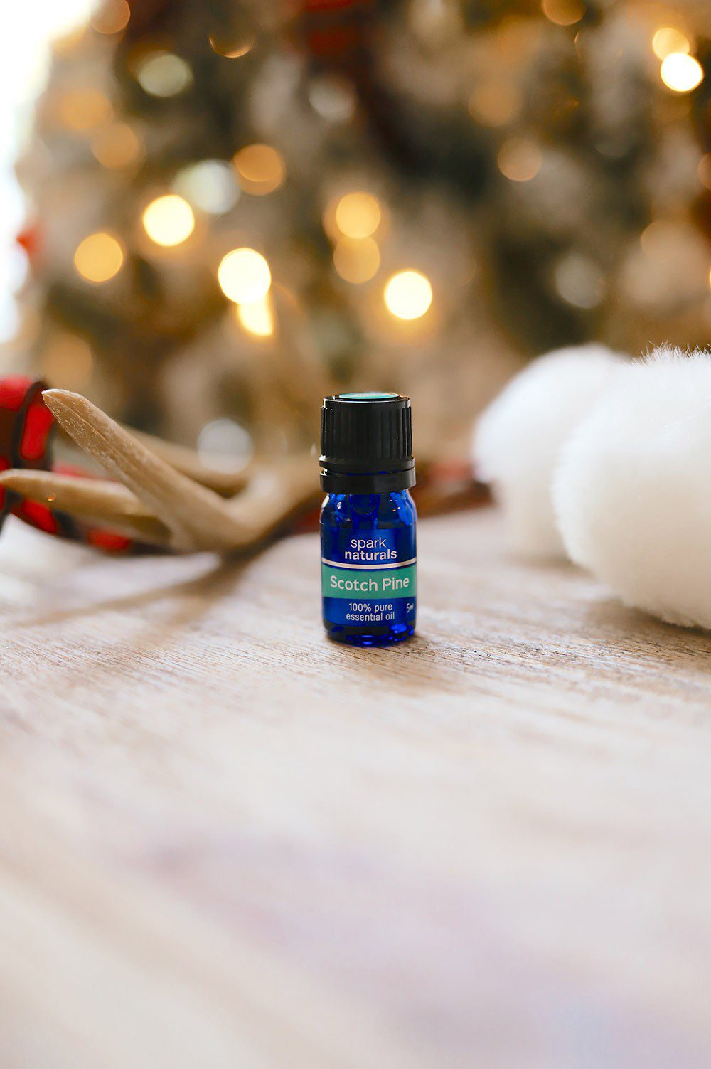 11 Christmas essential oil recipes to make spirits sparkle - Scots pine essential oil